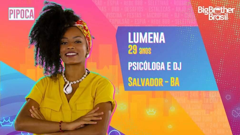 Lumena é psicóloga e DJ. Ela já fez um intercâmbio na África