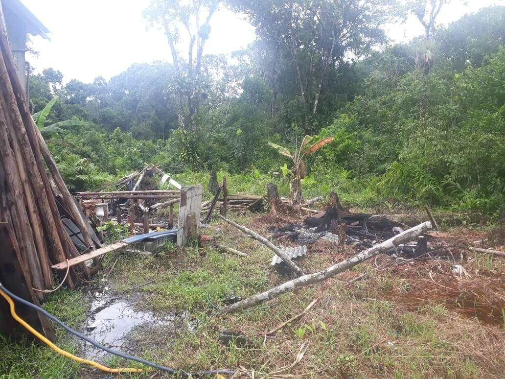 A equipe policial embargou a área, localizada em Itanhaém