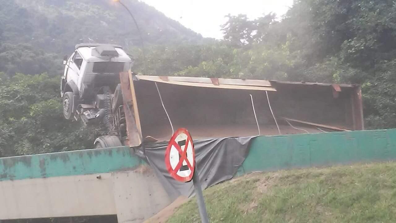 Trecho registra muitos acidentes, segundo os moradores