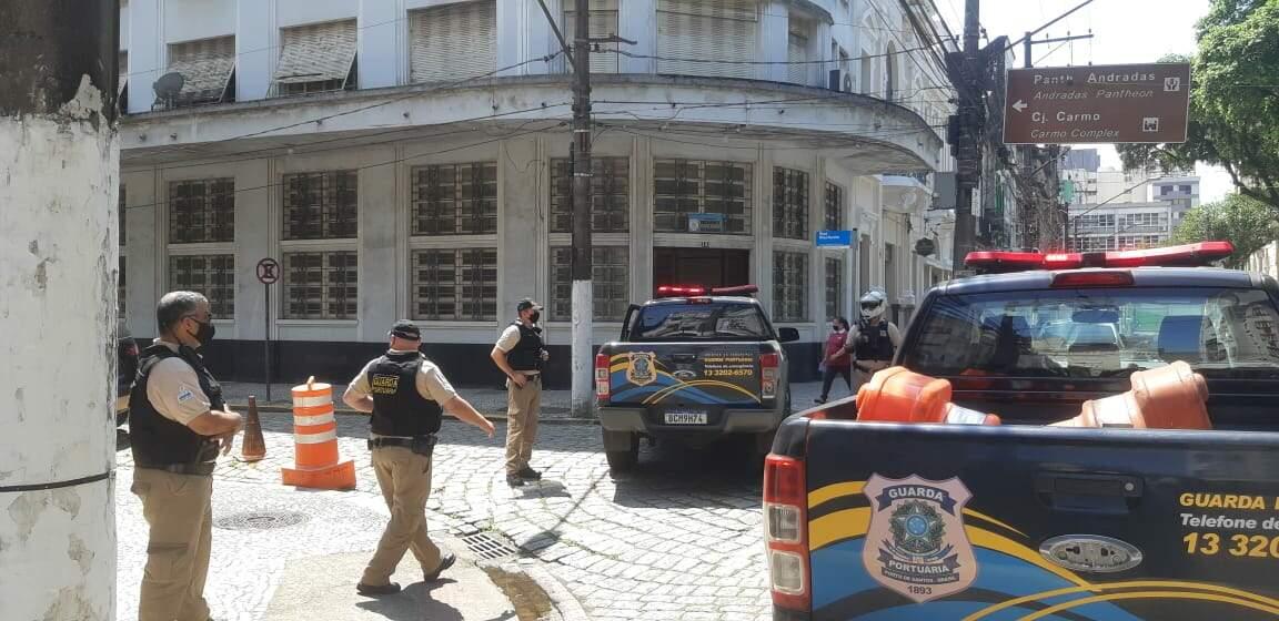 Operação contou com o apoio da Guarda Portuária.