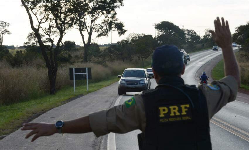 Inscrições para concurso da Polícia Rodoviária Federal seguem até esta terça-feira (18)