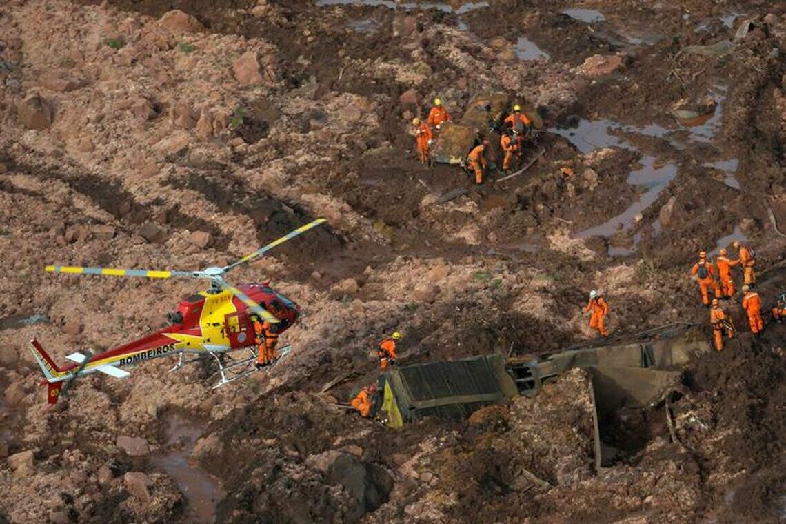 Equipes do Corpo de Bombeiros seguem os trabalhos de busca por vítimas e desaparecidos em Brumadinho