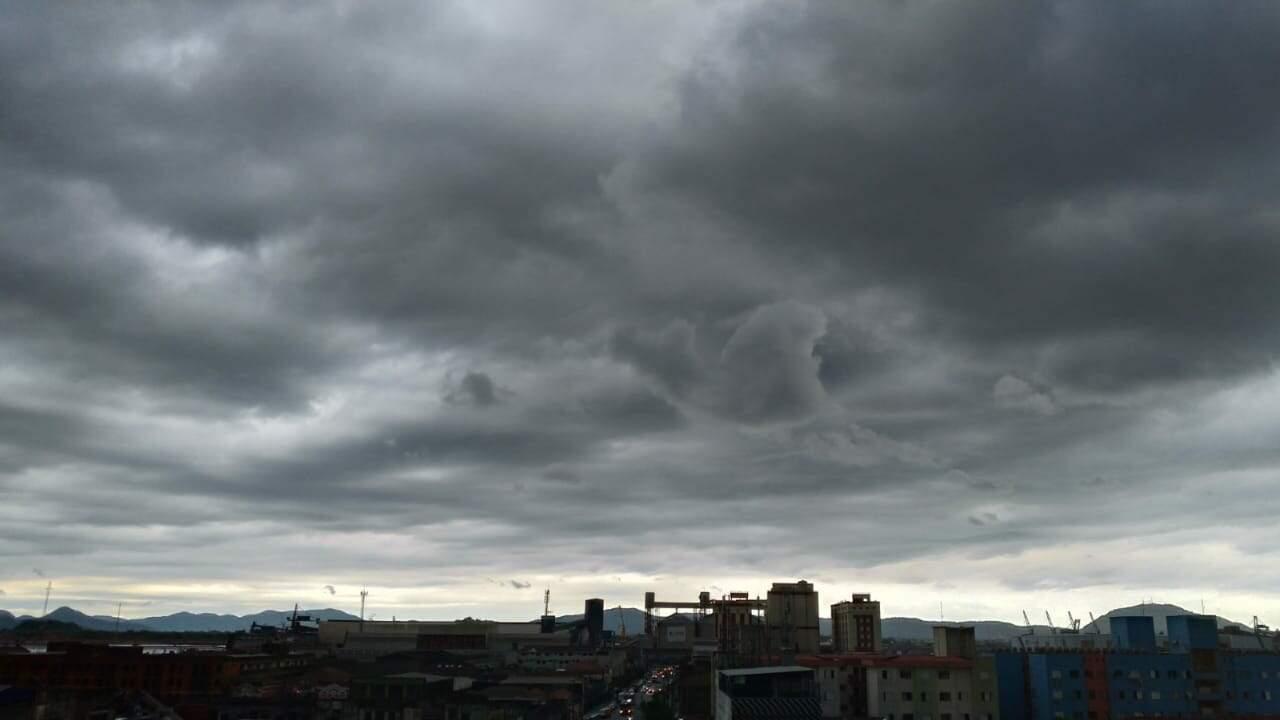 Céu aberto e sol que marcaram feriadão darão lugar à nebulosidade, segundo previsão