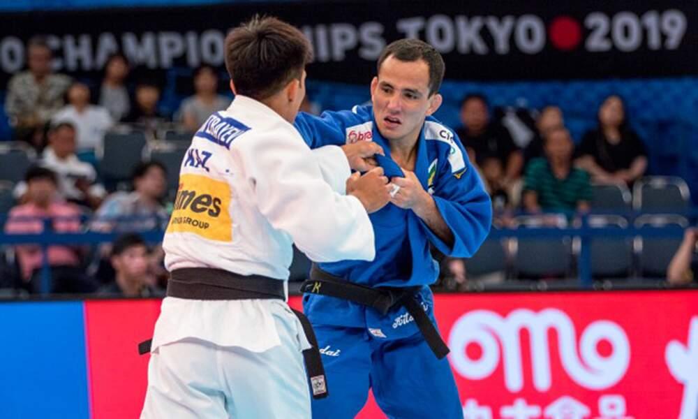 Felipe Kitadai caiu no tempo extra de sua luta após sofrer punição