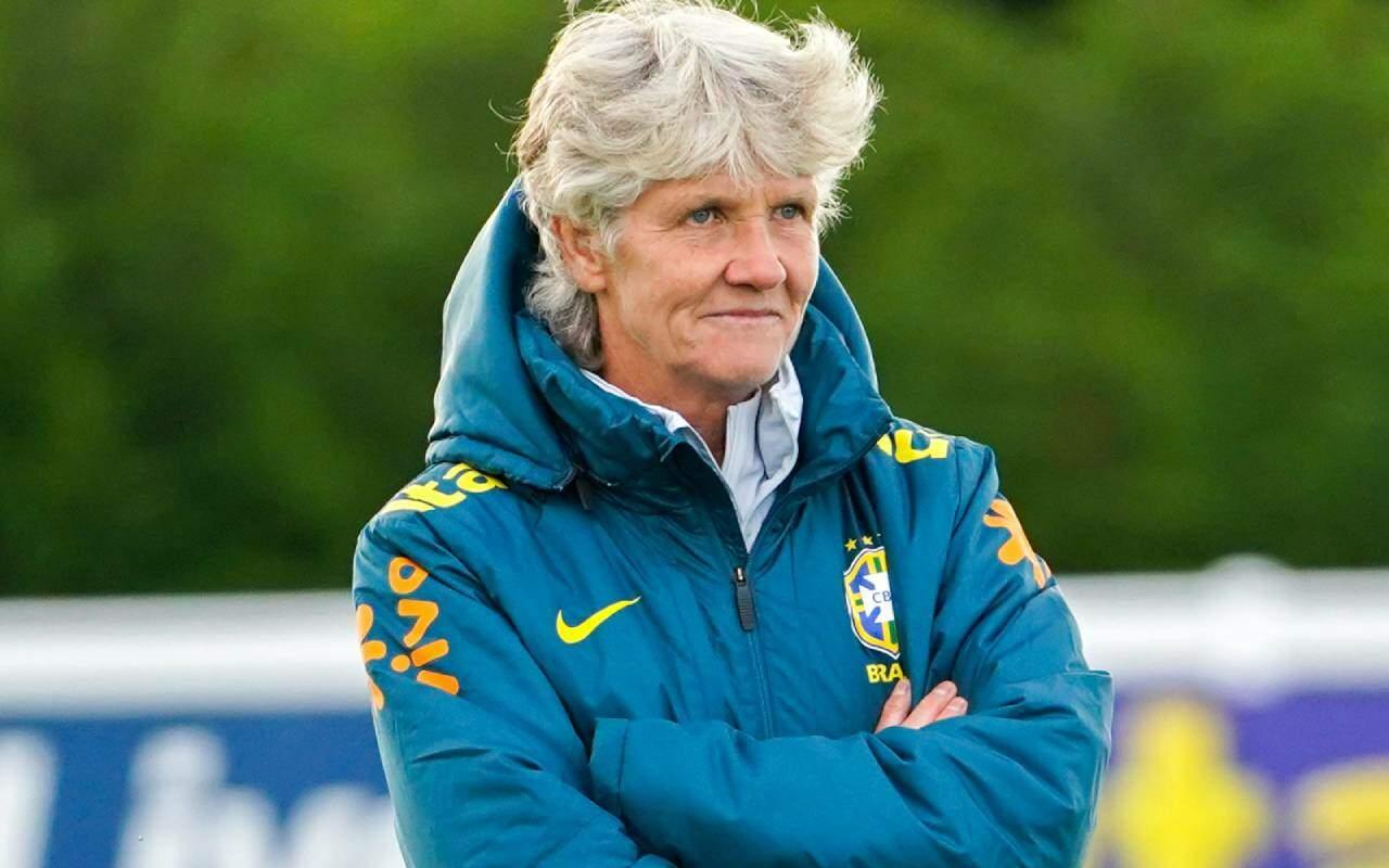 Pia prevê 'jogo duro' para o Brasil contra o Canadá e indica que fará mais testes