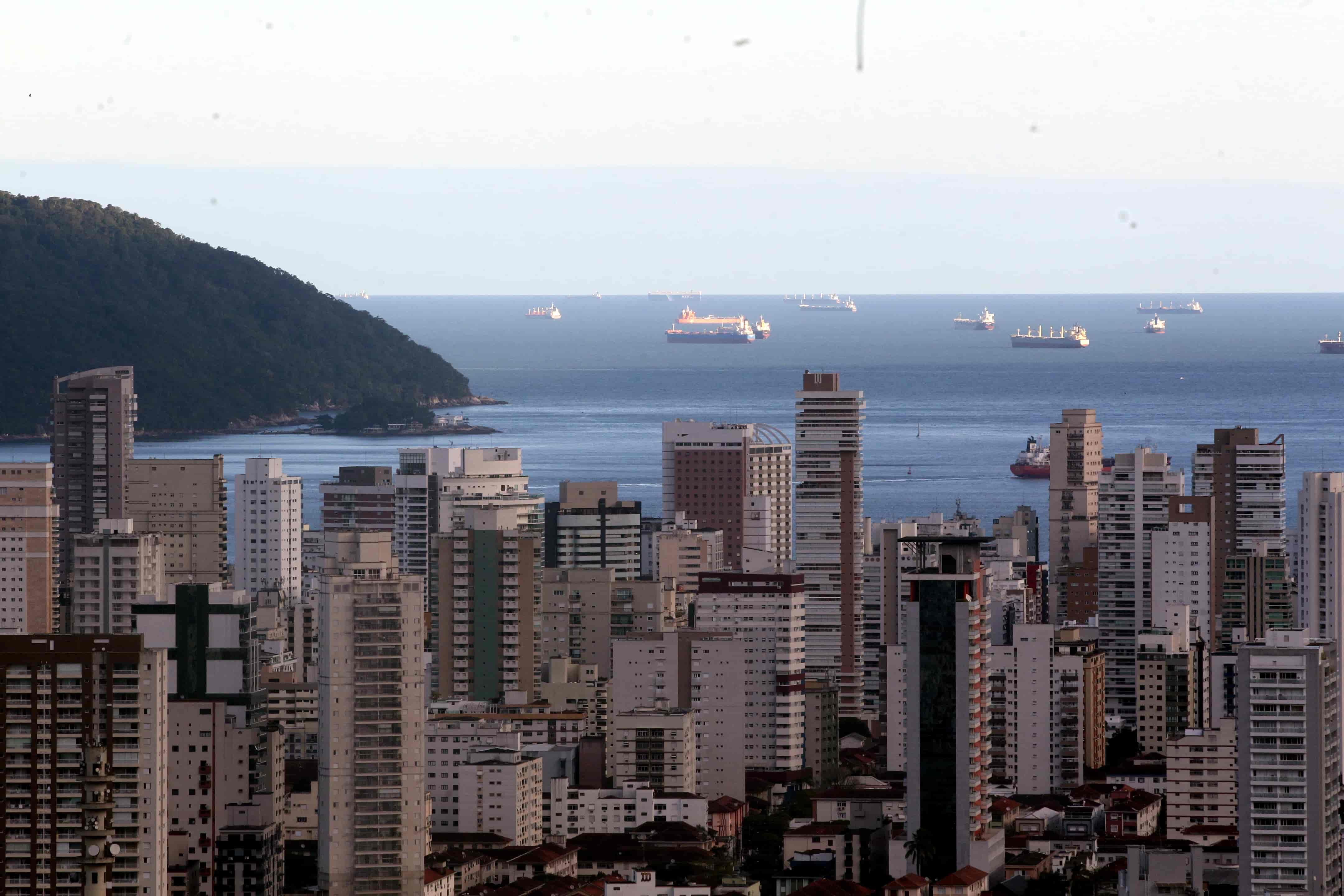 Santos tem três novos casos suspeitos de coronavírus