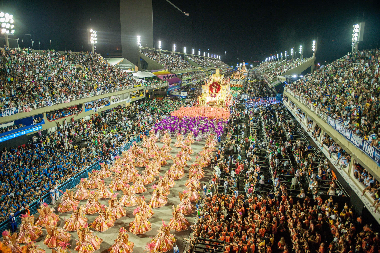 Com bons desfiles, 2ª noite da Sapucaí deixa disputa pelo título imprevisível