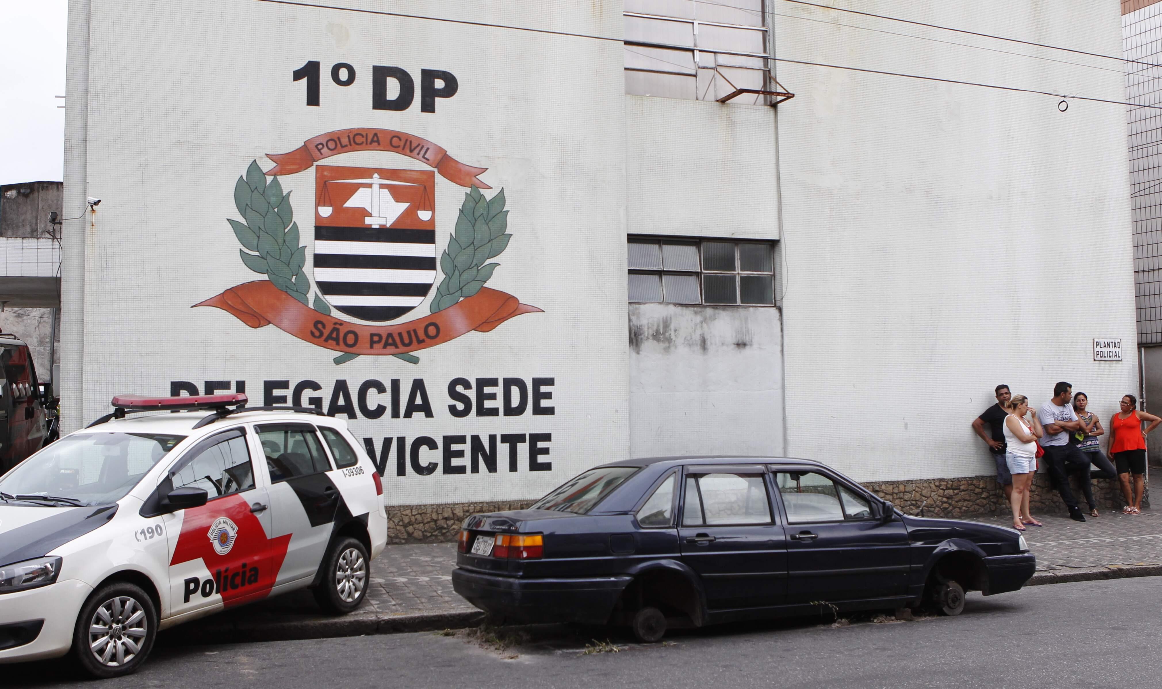 Homem foi medicado no Hospital Municipal de São Vicente e levado à delegacia