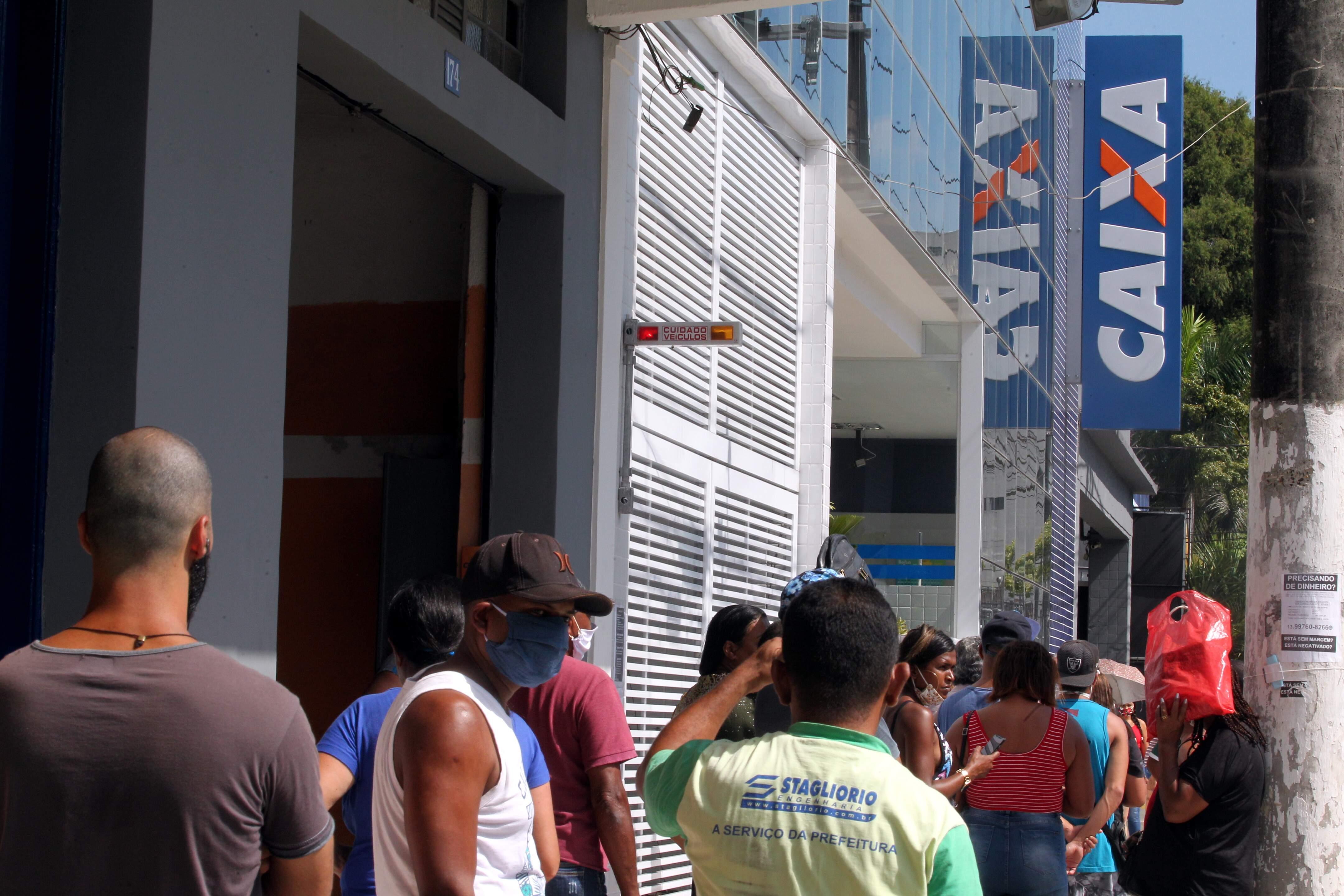 Agência na Av. São Francisco, em Santos, ficará aberta até 12h