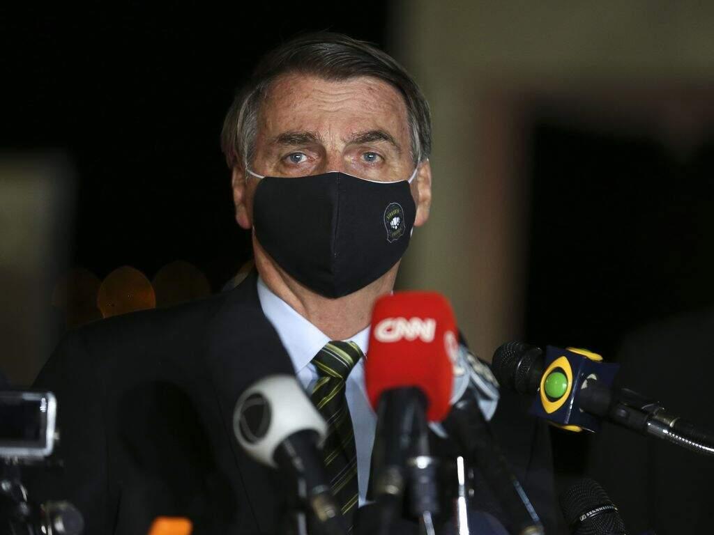 Presidente diz que ex-ministro Mandetta ajudou a espalhar pavor na população devido a pandemia