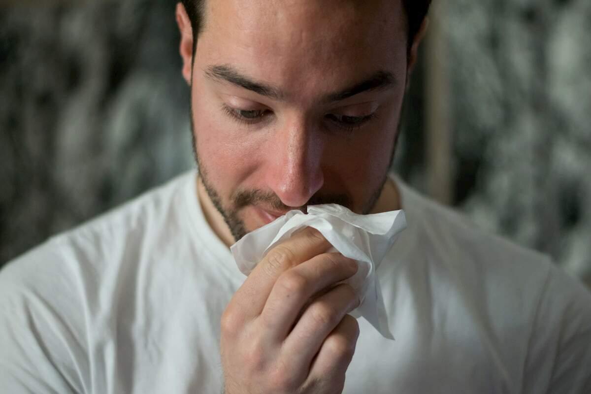 Os diagnósticos mais comuns são rinite alérgica, asma e sinusite