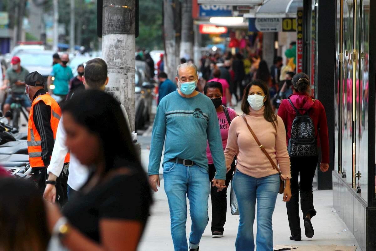 No total foram 204.726 mortes registradas e 8.195.493 pessoas contaminadas no Brasil