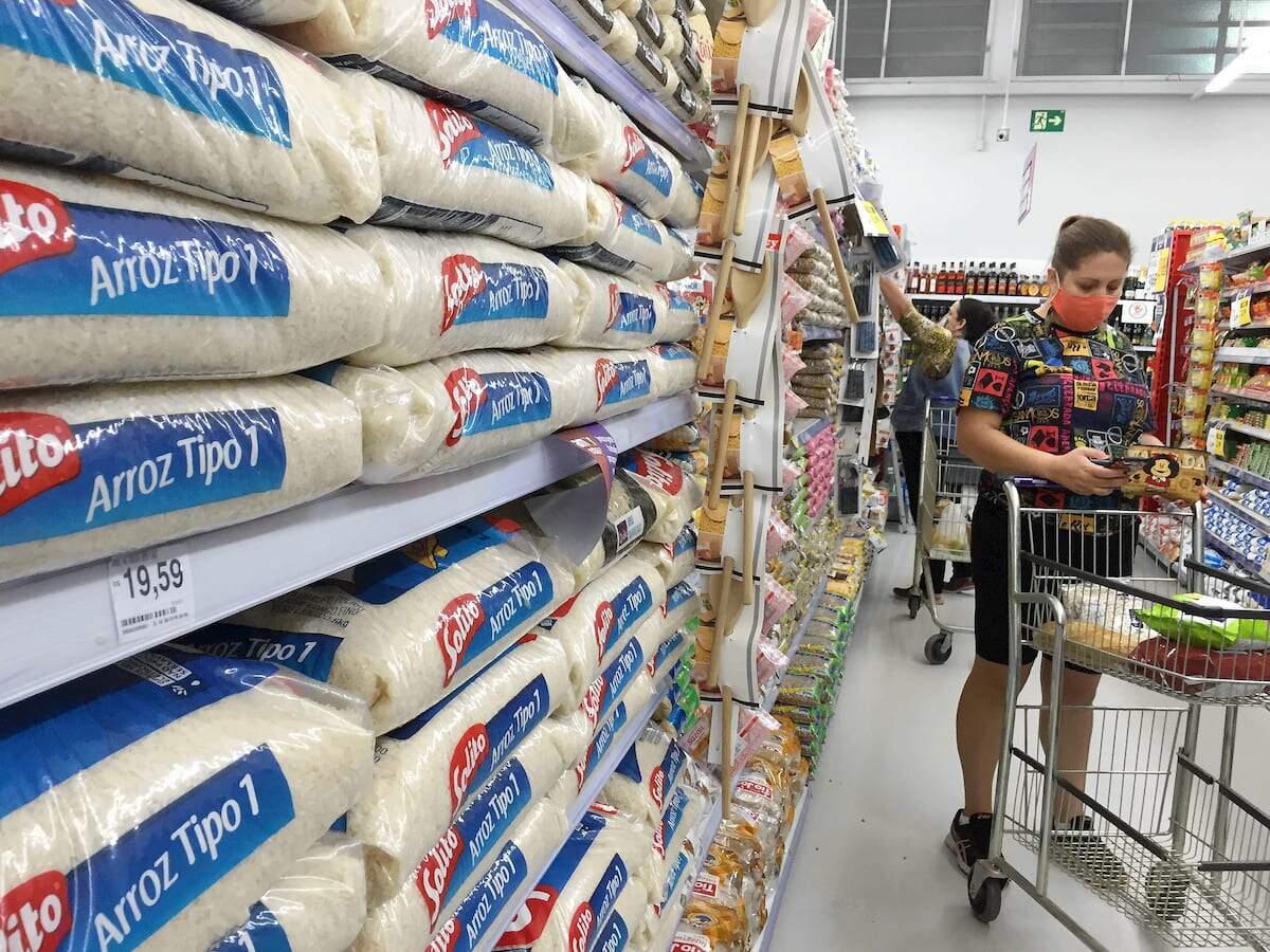 Fase vermelha em SP beneficia ainda mais os supermercados