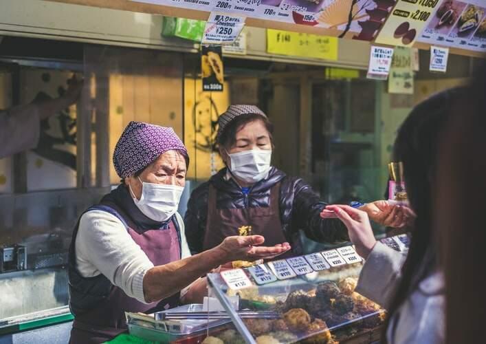 Tóquio registra mais de 100 casos de covid-19 pelo 6º dia seguido