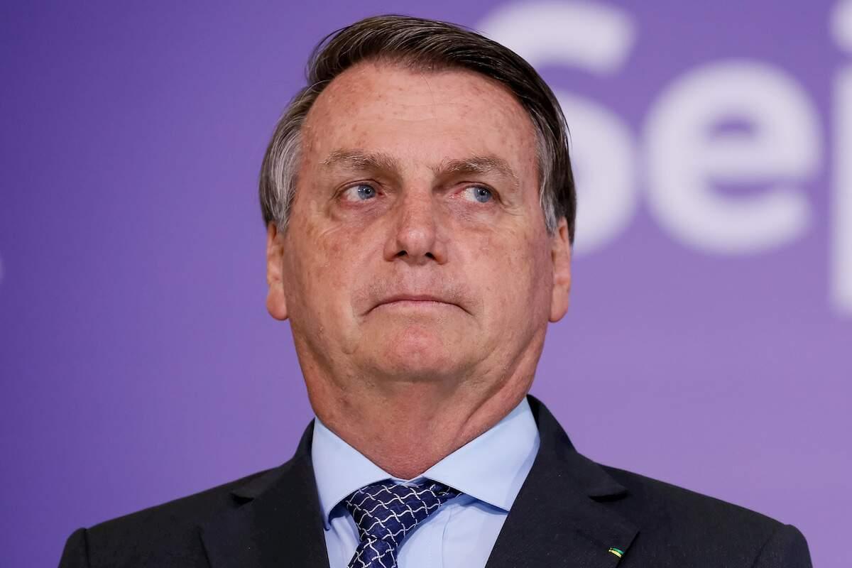Bolsonaro edita decreto que regulamenta promoções de oficiais das Forças Armadas