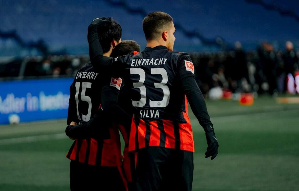 O Eintracht Frankfurt soma 20 e ocupa a oitava colocação no Campeonato Alemão