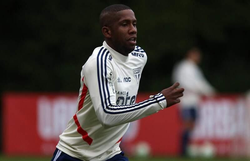 Jogador desfalcará o Tricolor nesta quarta-feira (6)