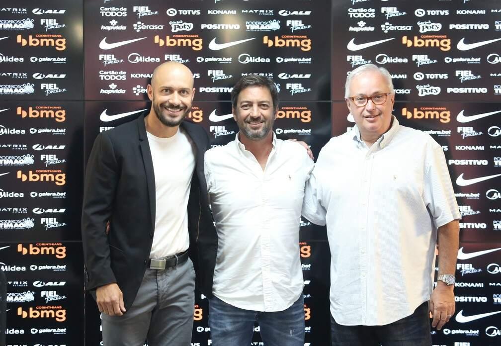 Alessandro, Duílio Monteiro e Roberto de Andrade