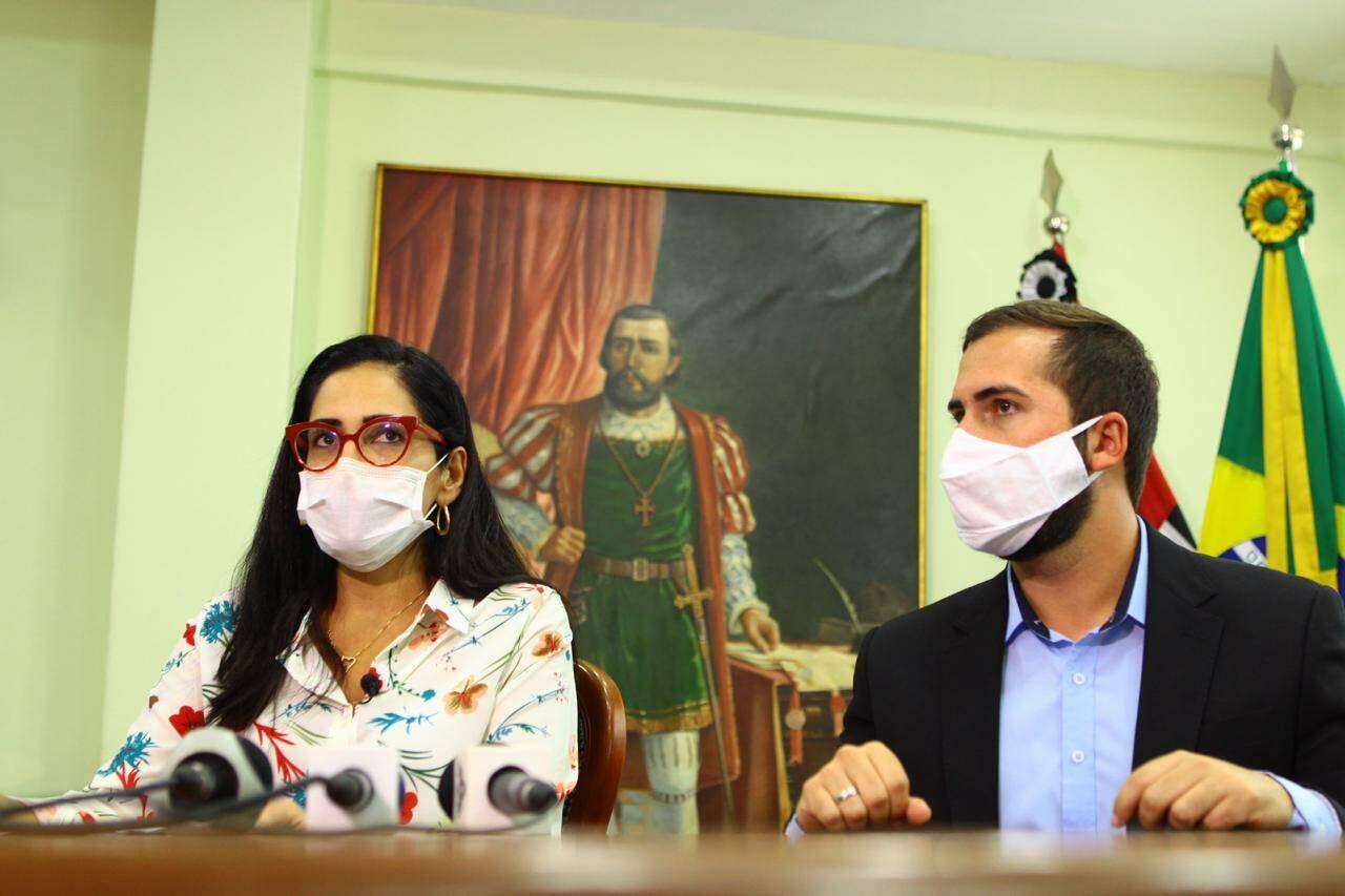 Secretária de Saúde e prefeito apresentaram plano nesta segunda-feira