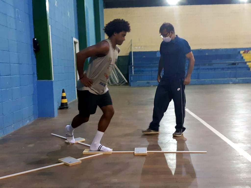 Atividades esportivas devem retornar gradativamente. Há inscrições abertas