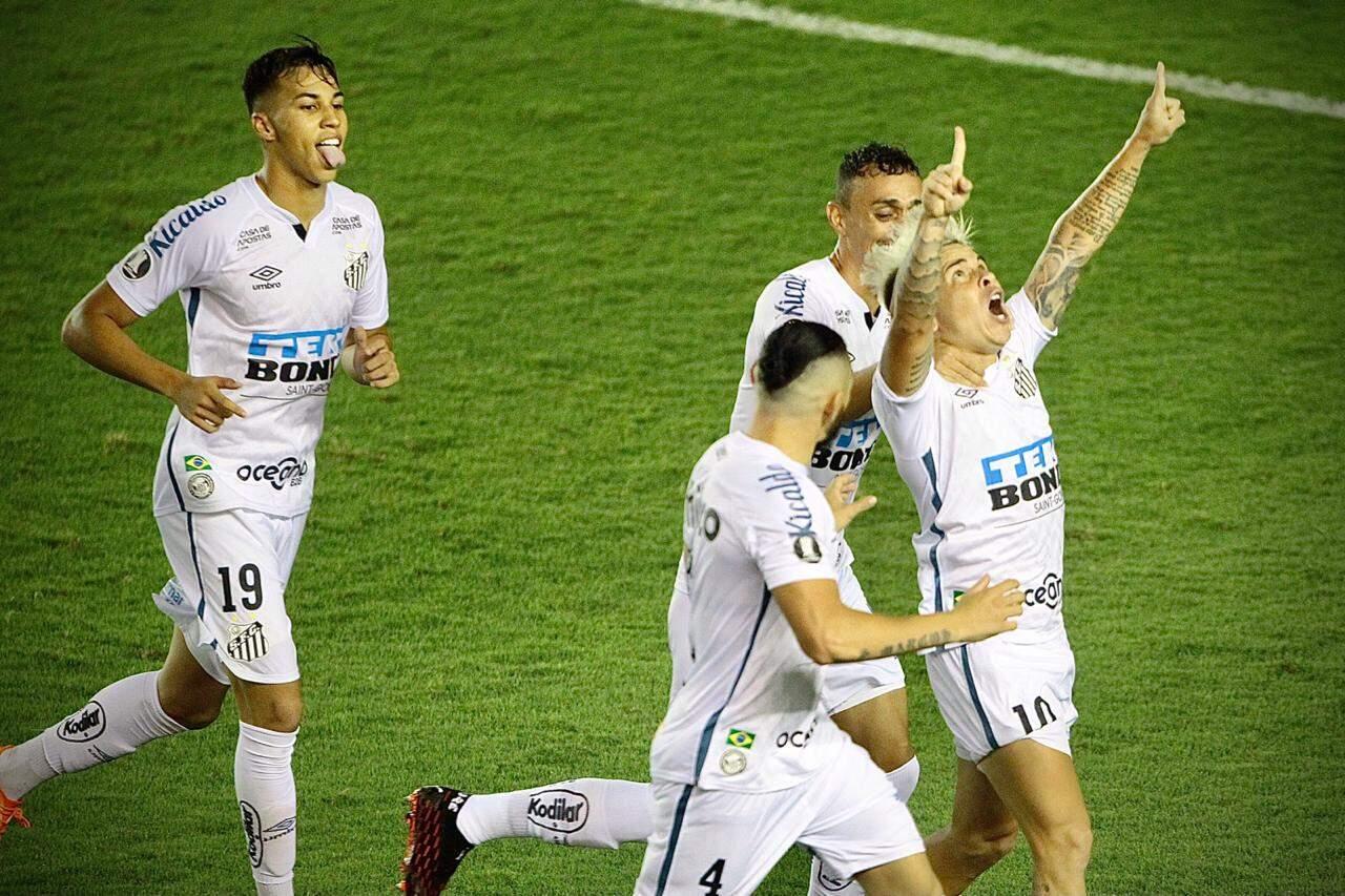 Soteldo comemora gol contra o Boca Juniors