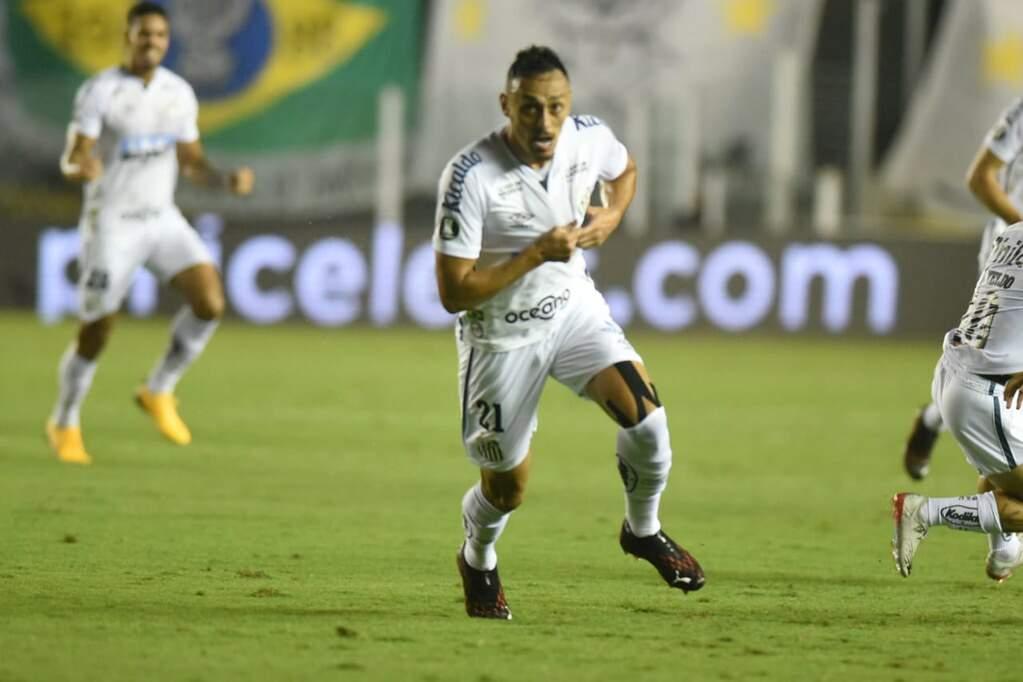 Kashima faz nova proposta por Diego Pituca