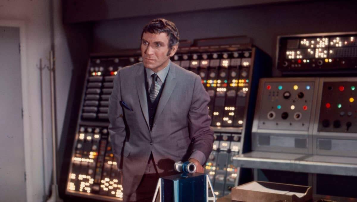 Ator teve vasta carreira no cinema e televisão, participando em mais de 500 seriados.