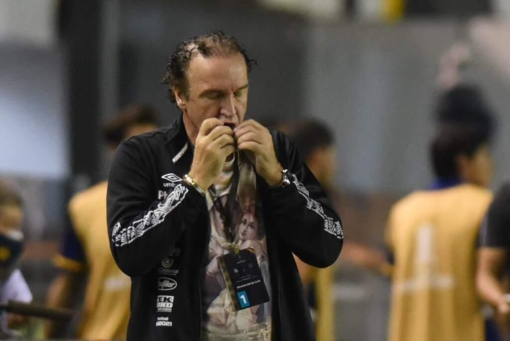 Rueda quer permanência de Cuca no Santos