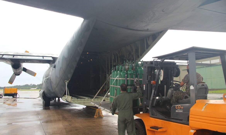 Governo volta a zerar imposto de cilindros e sensores de oxigênio após colapso em Manaus