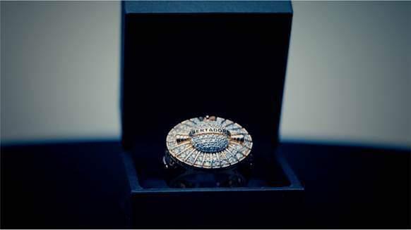 Anel de ouro com diamantes, safira e esmeralda será entregue ao melhor jogador da Libertadores