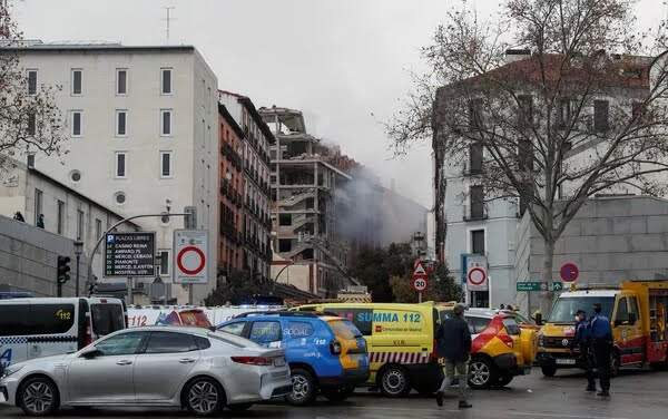 Explosão no centro de Madri derruba prédio