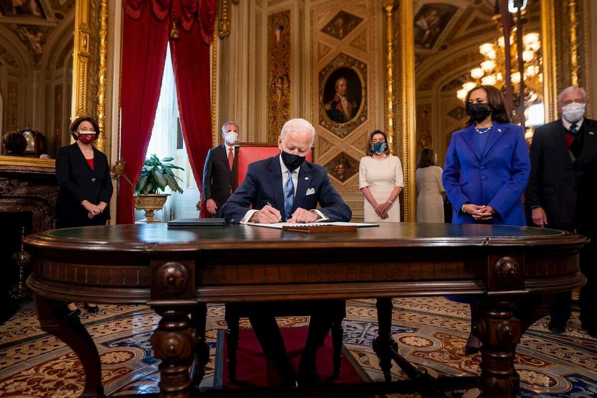 Joe Biden assina declaração de posse, nomeações de gabinete e nomeações de sub-gabinete