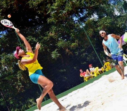 Agatha Wanderley é filha da ex-jogadora de vôlei Ida