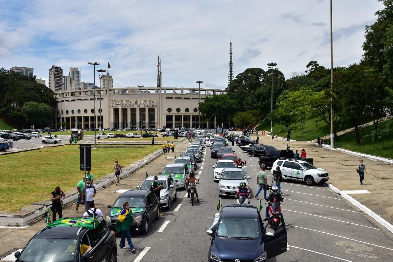 Em São Paulo teve carreata pedindo a saída do presidente Jair Bolsonaro