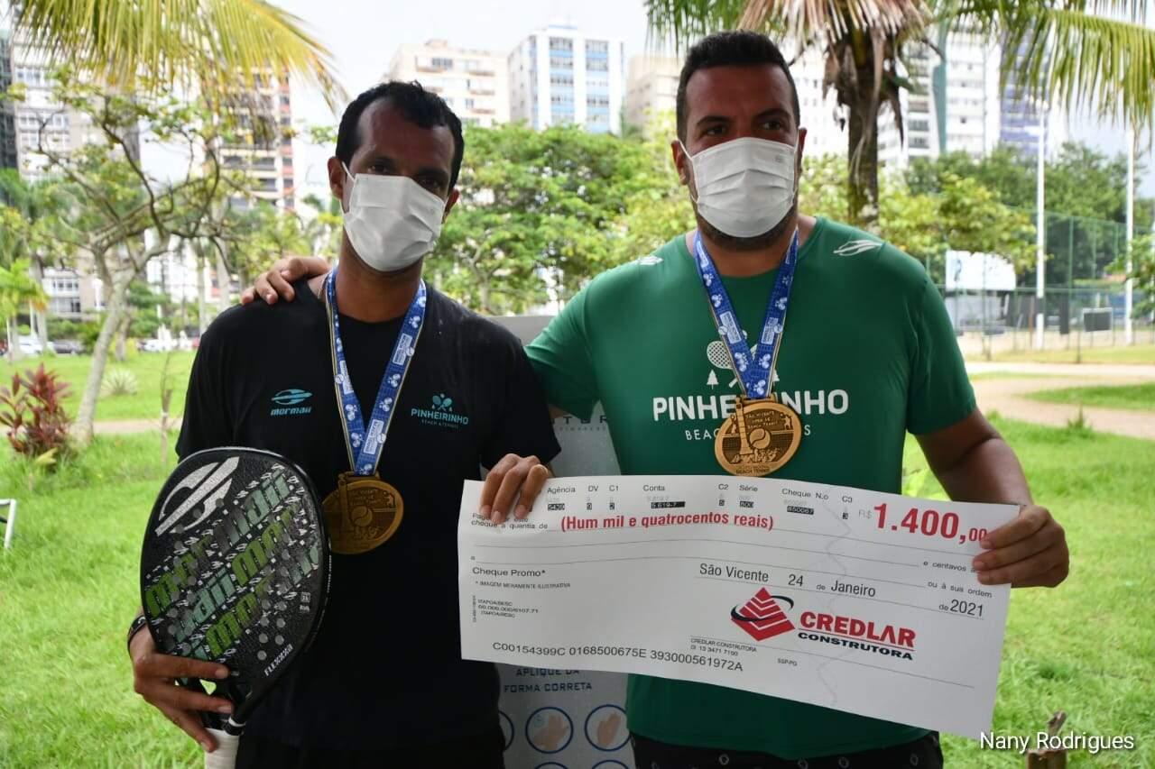 Tiago Tavares e João Wiesinger faturam a competição em São Vicente