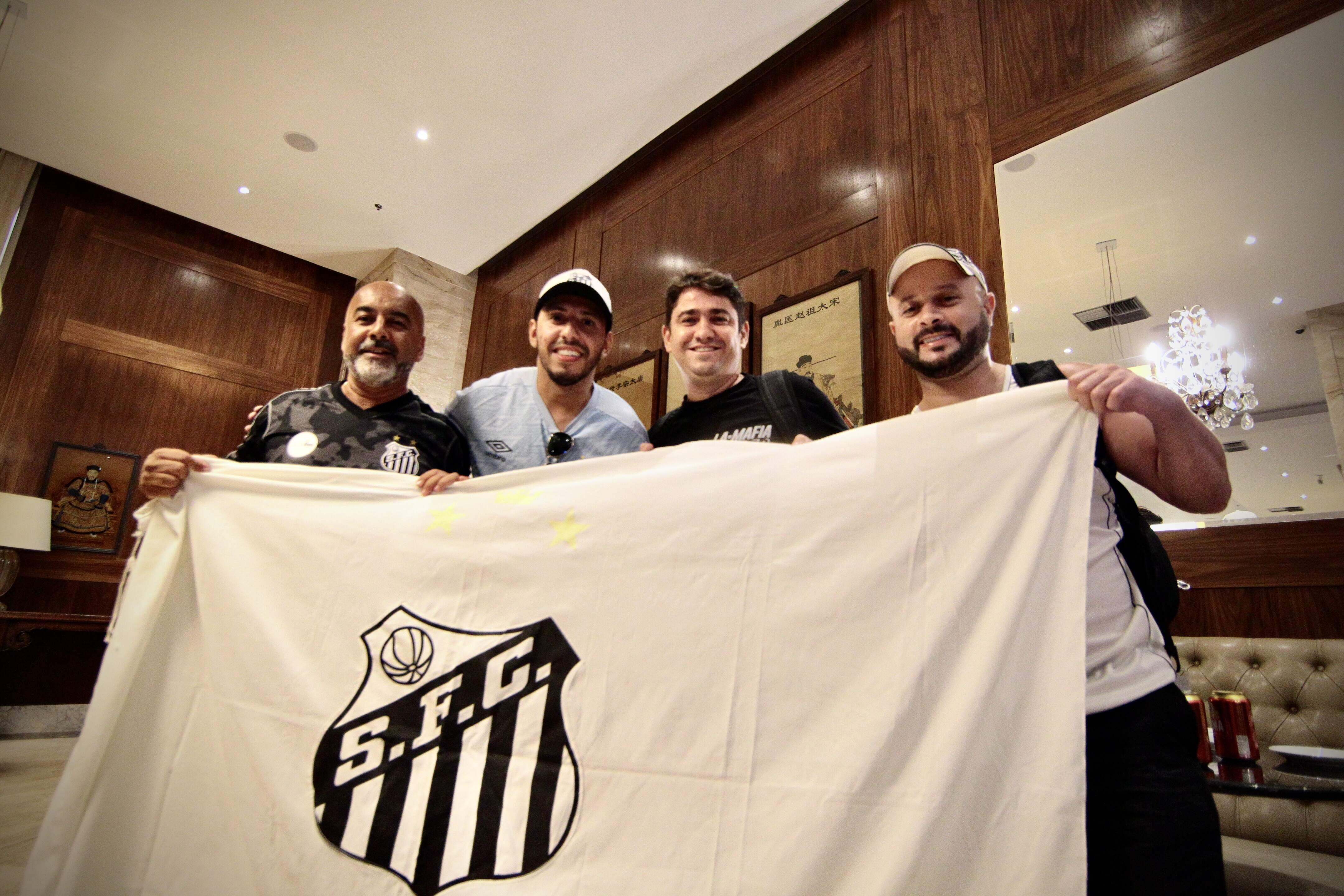 Muitos torcedores do Peixe estão hospedados em hotel da Barra da Tijuca