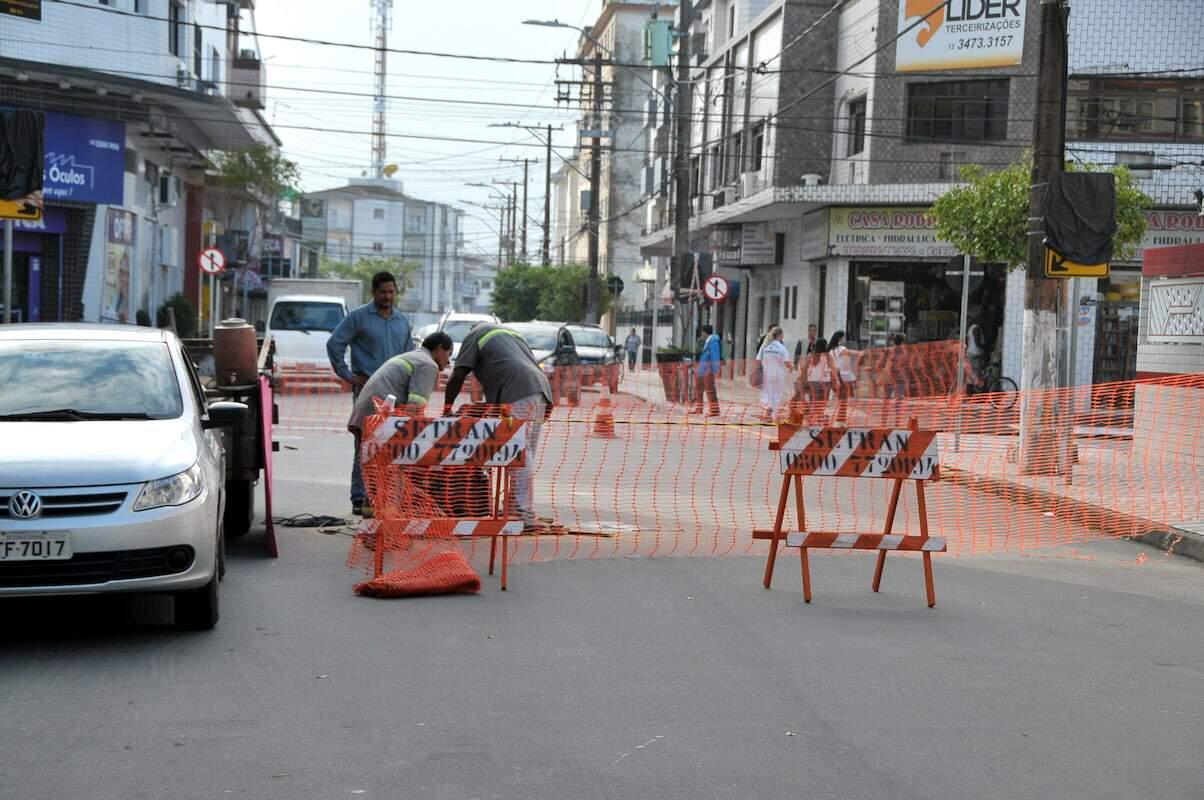 Obras são realizadas na Rua Doutor Roberto Shoji