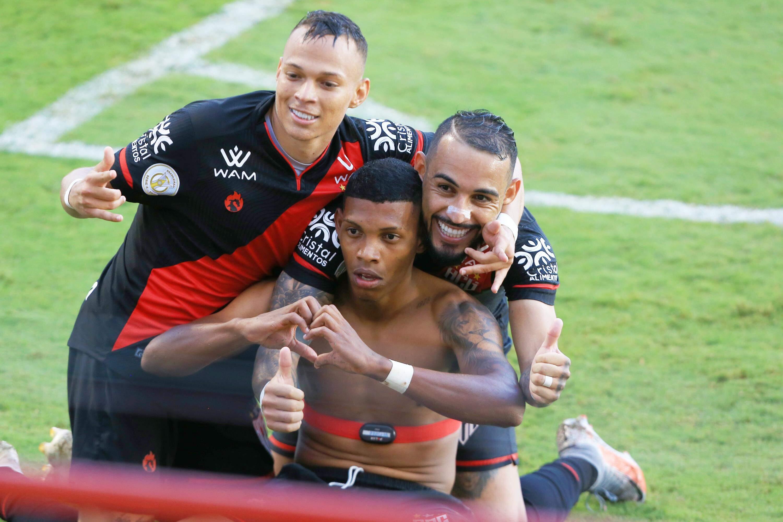 Jogo aconteceu no estádio Antônio Accioly, em Goiânia, pela 33ª rodada do Campeonato Brasileiro