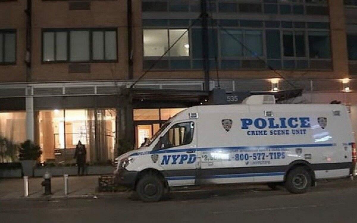 Os corpos de William Wedell e sua mãe foram encontrados no apartamento da família, em Nova York