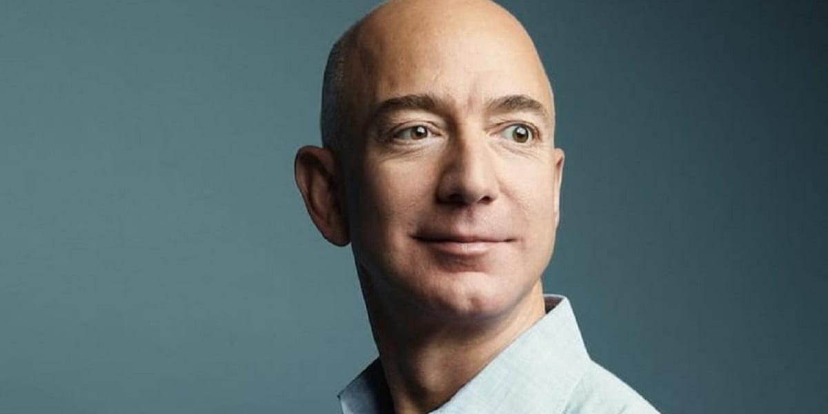 Jeff Bezos deixará cargo de CEO da Amazon depois de 27 anos