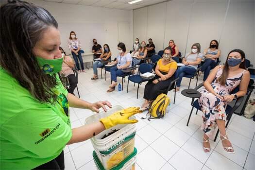 Início de projeto socioambiental em escolas municipais