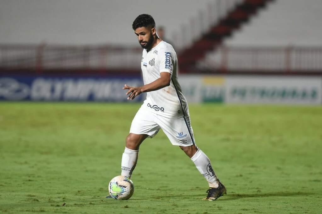 Felipe Jonatan se consolida como um dos principais jogadores do Santos na temporada