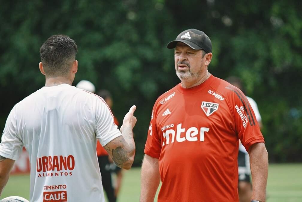Tricolor busca a primeira vitória no ano para resgatar o sonho de título