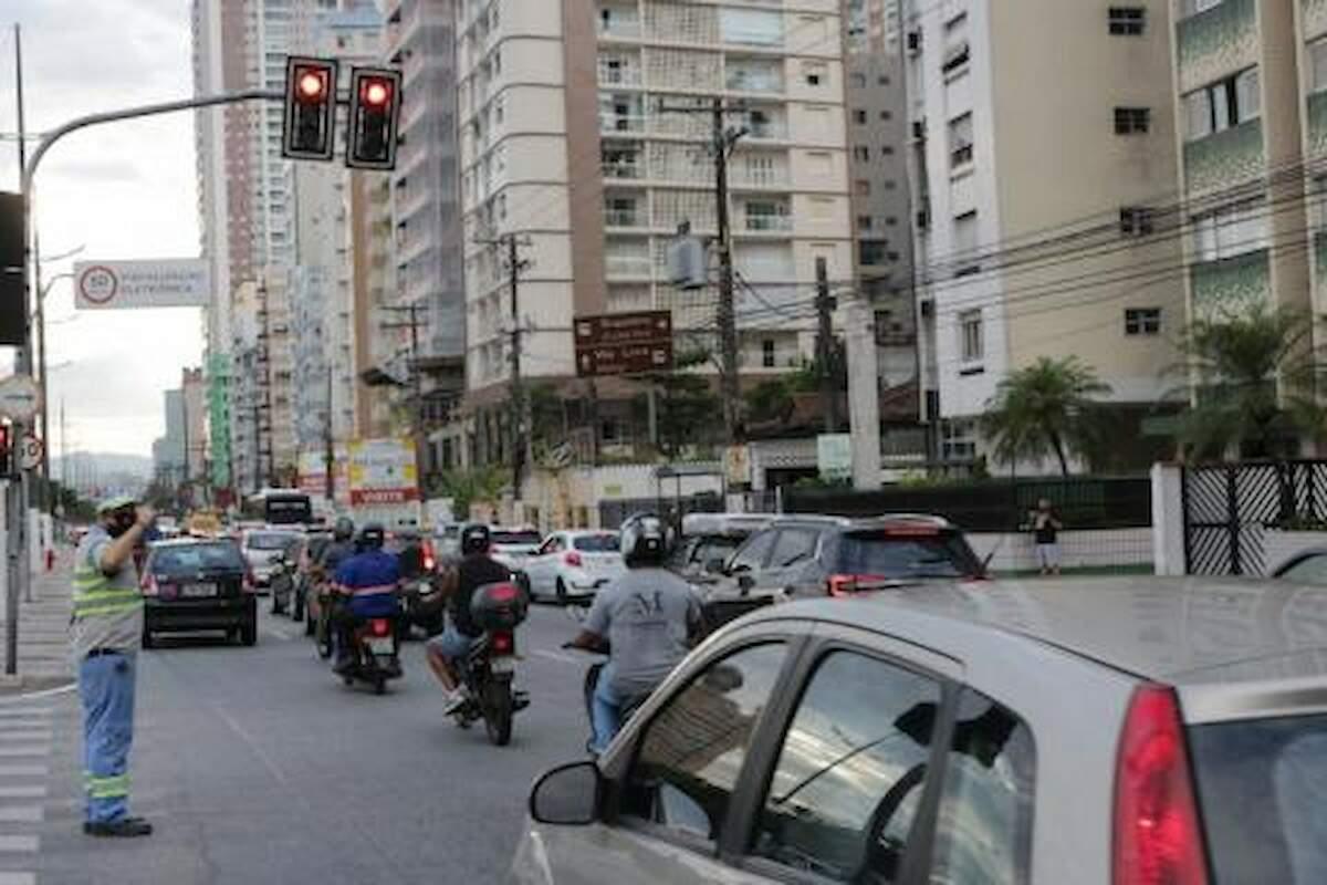 Mudança inclui o aumento dos tempos de verde na avenida principal