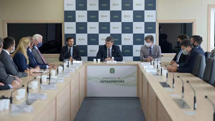 Ministério da Infraestrutura assina contratos de exploração de terminais portuários