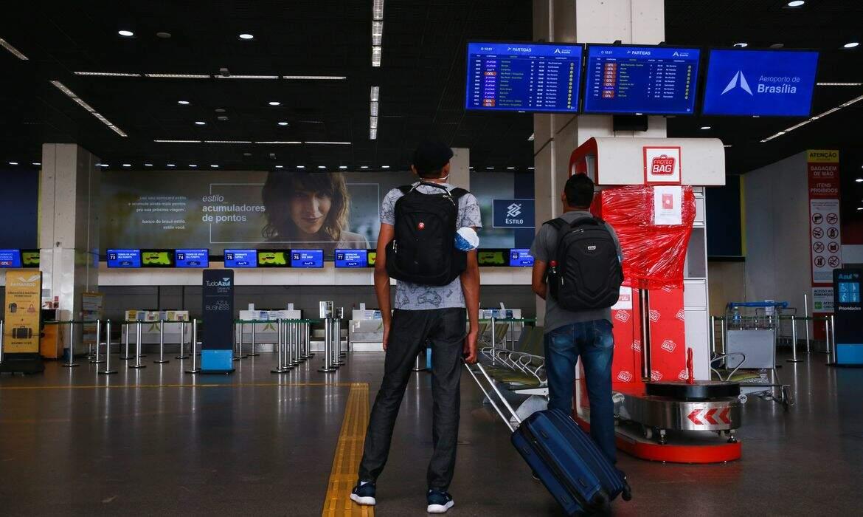 Aeroportos registram baixo movimento no Carnaval