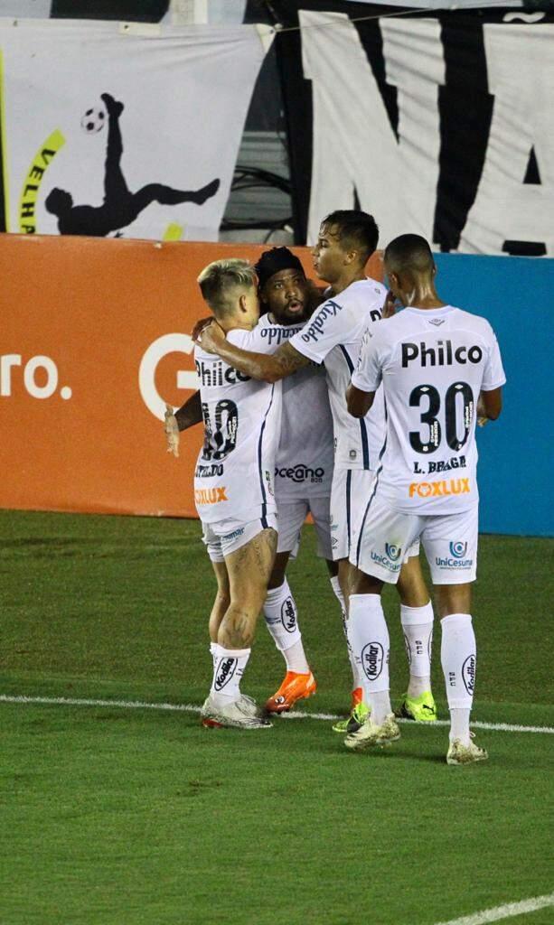 Com o gol desta noite, Marinho chegou ao seu 17º no Brasileirão