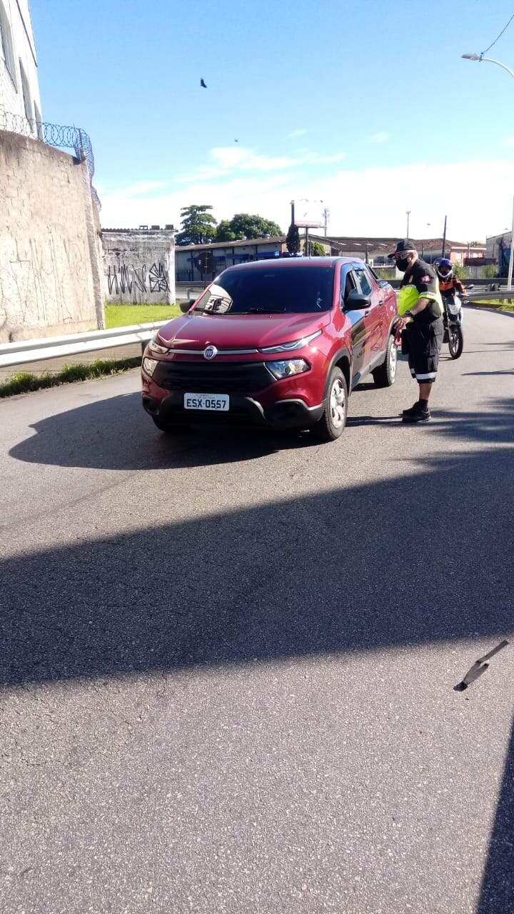 Mais de 400 veículos foram abordados pelas equipes da prefeitura