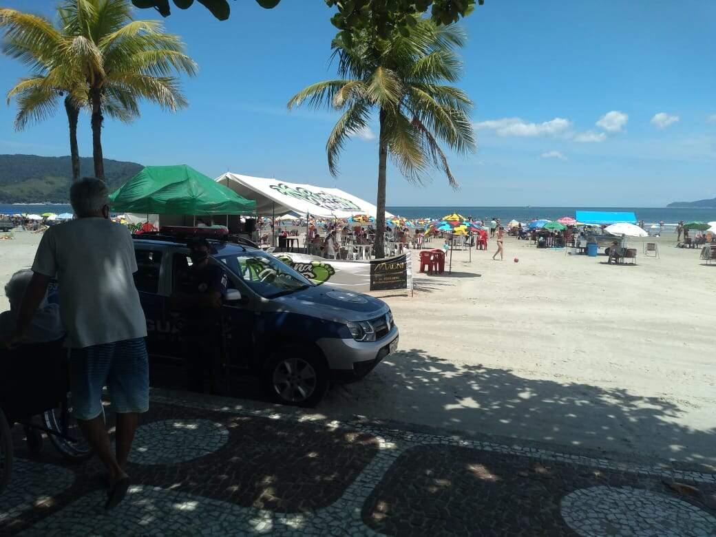 Corporação da GCM realizou diversas orientações durante fiscalização pela orla de Santos
