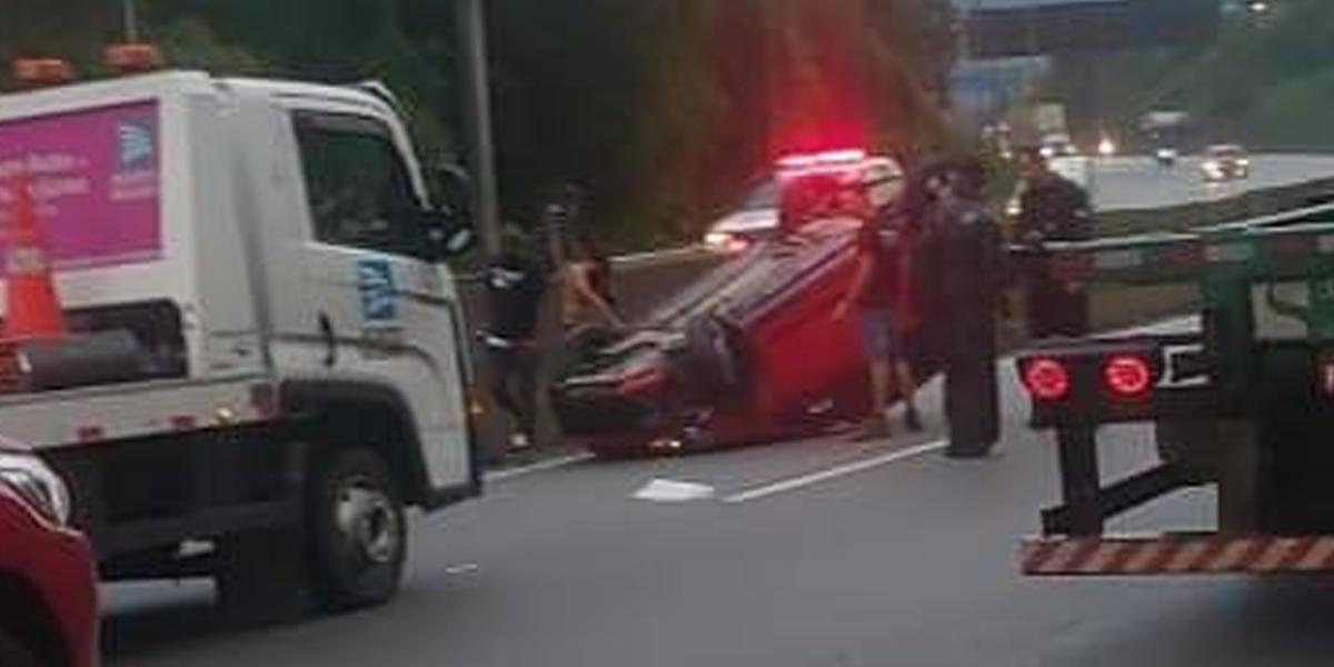 Segundo informou a Ecovias, acidente ocorreu por volta das 18h10 no Km 269 da Cônego